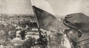 polska flaga w Berlinie Dzień Zwycięstwa